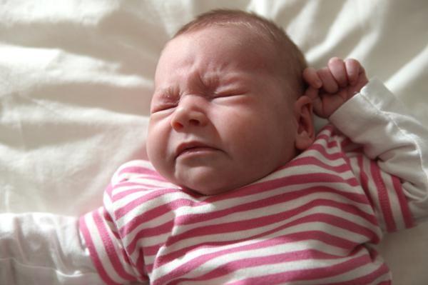 ребенок спит с открытым ртом и храпит