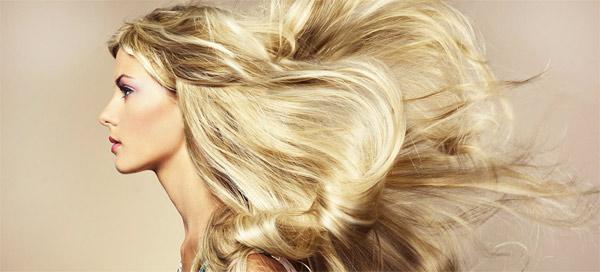 Увлажненные волосы