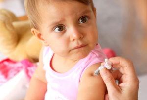 Когда делают прививку от коклюша ребенку и можно ли ее делать беременным