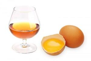 Маска с яйцом и коньяком